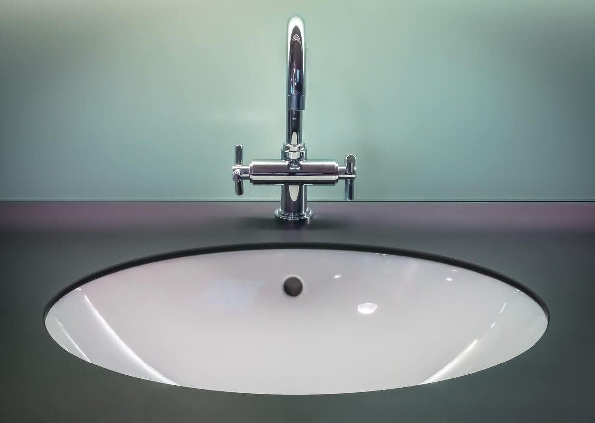Łazienka dla poukładanych czy taka w stylu glamour